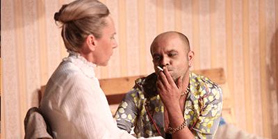 teatarska pretstava doni dark - teatar komedija